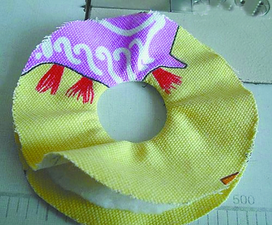 用旧光盘做纸巾盒