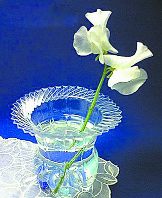 用饮料瓶制作花瓶